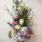 A4 : แจกันดอกไม้สด ทรงสูง 800 บาท